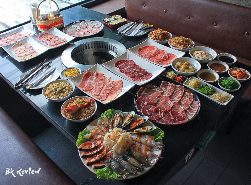 อาหารทั้งหมดและน้ำจิ้ม-Togyu Yakiniku (1 of 4)