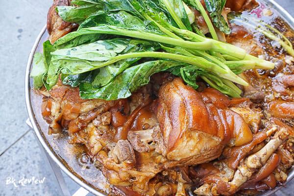 ข้าวขาหมู - Bangkok Varee (1 of 3)