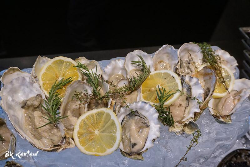 ซีฟู้ด ออนไอซ์ - Buffet Seafood Crowne Plaza Lumpini-10