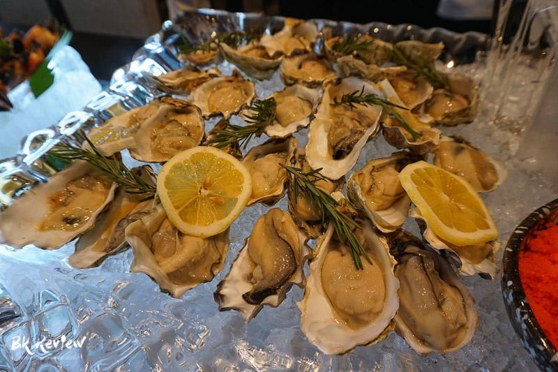 ซีฟู้ด ออนไอซ์ - Buffet Seafood Crowne Plaza Lumpini-9