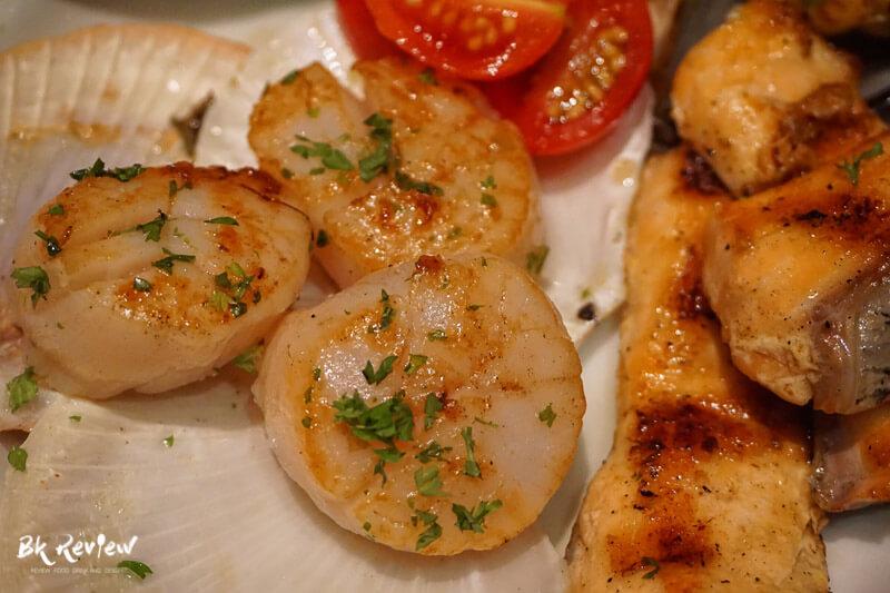 หอยเชลล์ ฮอกไกโด แซลม่อน - Buffet Seafood Crowne Plaza Lumpini-11