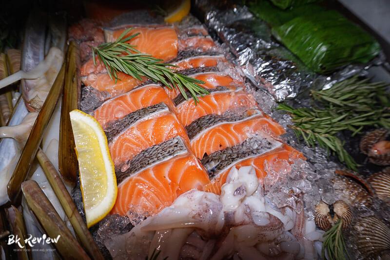 หอยเชลล์ ฮอกไกโด แซลม่อน - Buffet Seafood Crowne Plaza Lumpini-2