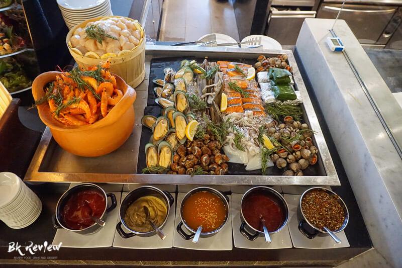 หอยเชลล์ ฮอกไกโด แซลม่อน - Buffet Seafood Crowne Plaza Lumpini-6