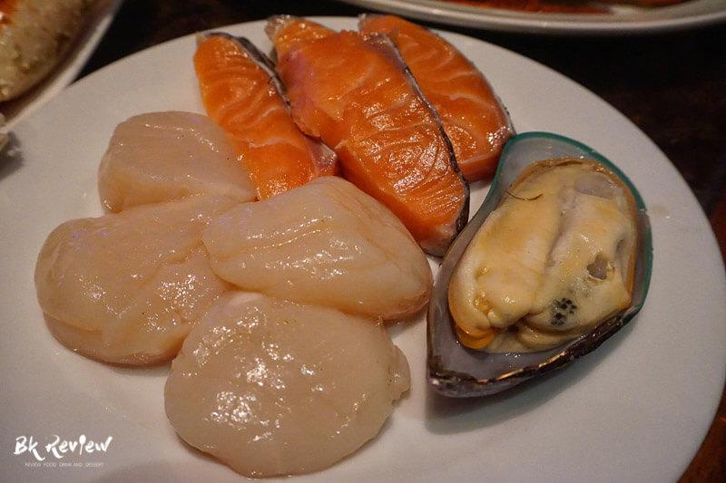 หอยเชลล์ ฮอกไกโด แซลม่อน - Buffet Seafood Crowne Plaza Lumpini-9