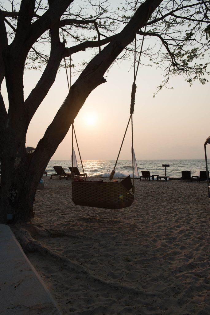 Beach_Front_SO_Sofitel_HuaHin_1