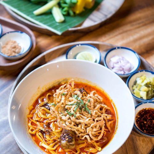 ข้าวซอยไก่  KHAO SOI GAI ราคา140