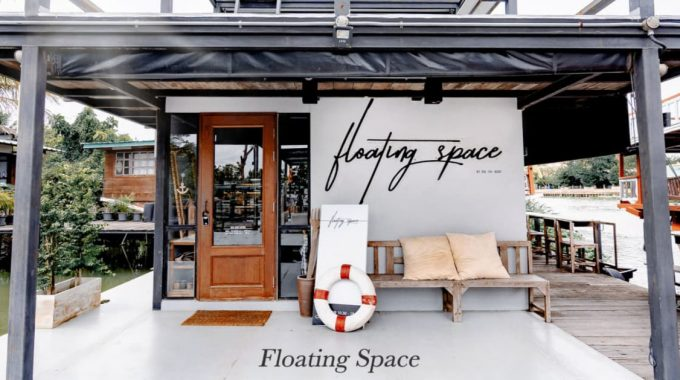 Cover Floating Space Cafe คาเฟ่บนเรือ ย่านนครปฐม (1)